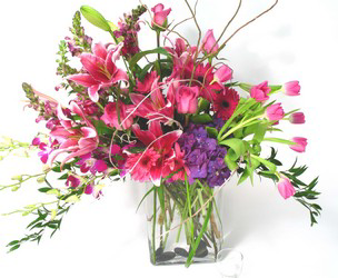 Lavish Her Day Luxury Collection During this hard time, We ask that you allow our designer's to create a beautiful bouquet with the flowers we have available.
