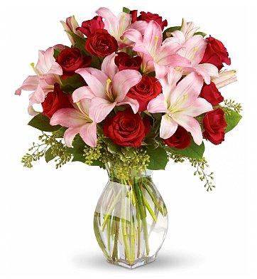 Lavish Flowers Bouquet Delivery
