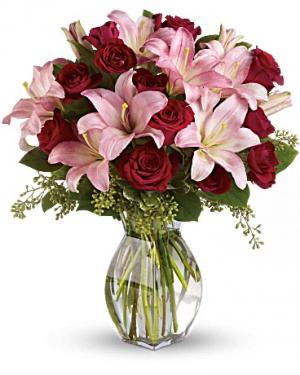 Lavish Love Bouquet in Jasper, TX | BOBBIE'S BOKAY FLORIST