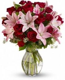 Lavish Love Bouquet  T5-1B
