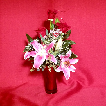 LCF-SWEETHEART BOUQUET VASE ARRANGEMENT