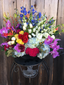 Le Grande Bouquet Designer's Seasonal Flowers