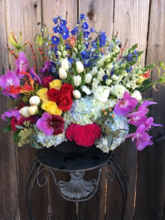 Le Grande Bouquet Designer's Seasonal Mix