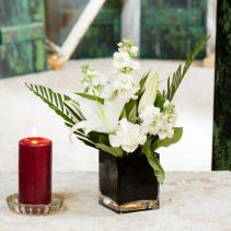 Le' Noir Et Blanc Vase arrangement