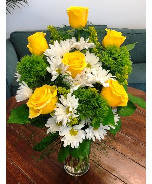 Lemon-Lime Zest Arrangement in Bluffton, SC | BERKELEY FLOWERS & GIFTS