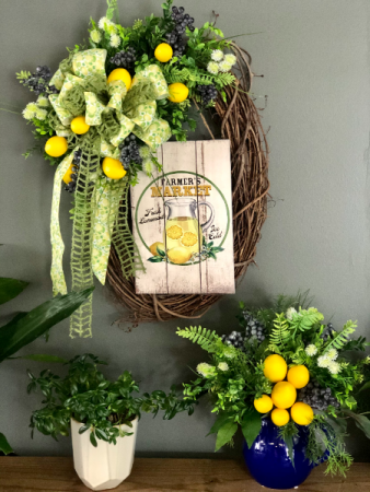 Lemonade Stand Wreath and Pitcher