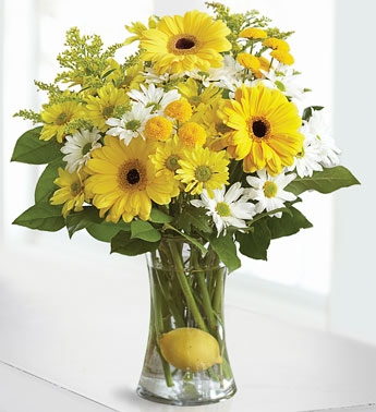 Lemonade Vase Arrangment