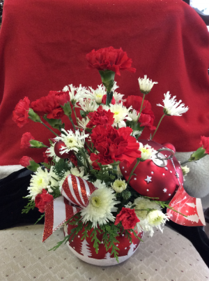 Let It Snow  in Berwick, LA   TOWN & COUNTRY FLORIST & GIFTS, INC.
