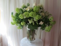 Light & Fresh Vase arrangement