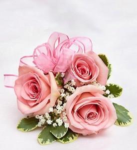 Light Pink Rose Corsage In Teaneck Nj Teaneck Flower Shop