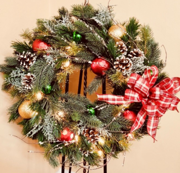 Lighted Silk Christmas Wreath 24