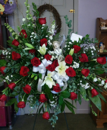 Lilies and roses Standing spray