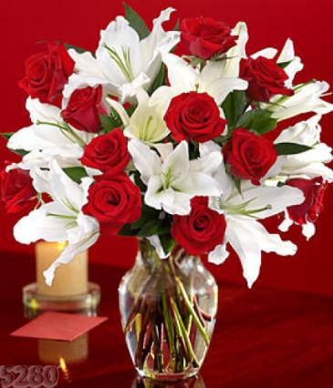 Lilies and Roses vase arrangement