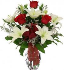 Lilies, Roses & Caspia Vase Arrangement