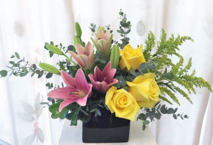 FA117: LILLIES AND ROSES IN CERAMIC