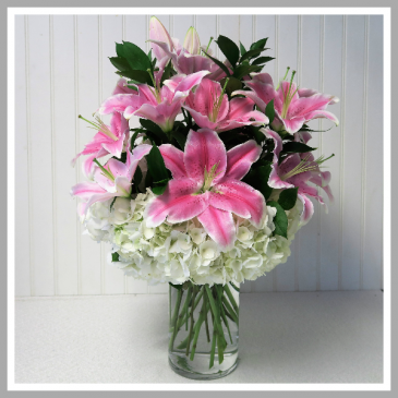 Lily Supreme Vase