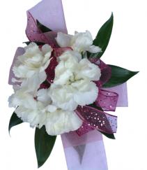 Linday Hop   C29-11 Miniature Carnation Corsage