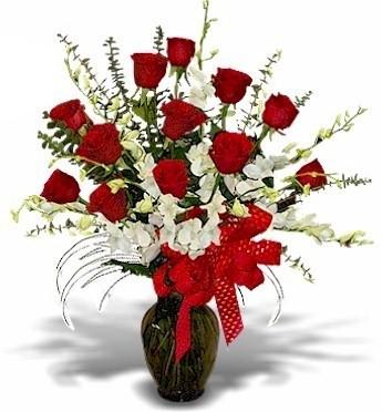 Long Lasting Love Vase Arrangement In Fairfield Ca Adnara Flowers