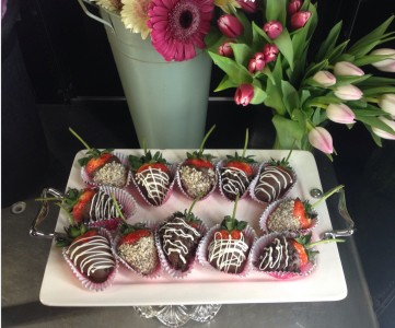 long stem chocolate covered strawberries valentine delicacy - Valentines Chocolate Covered Strawberries