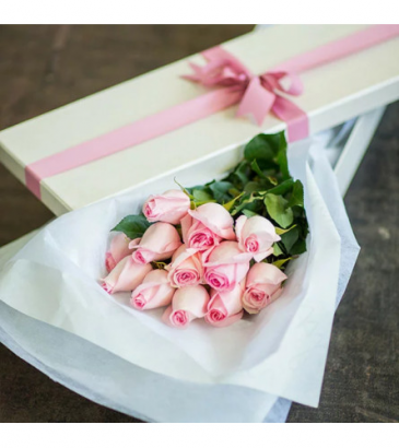 Long Stem Pink Roses in a Box