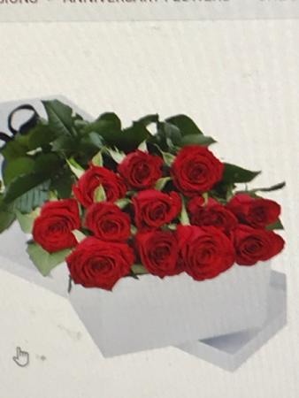 Long Stem Red  Boxed Roses