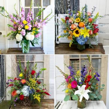 Designer's Choice Lavish Mixed Bouquet