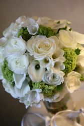 LOVE & ROMANCE Bridal Bouquet