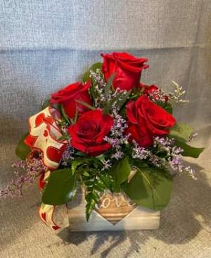 Love Box  in Fowlerville, MI | ALETA'S FLOWER SHOP