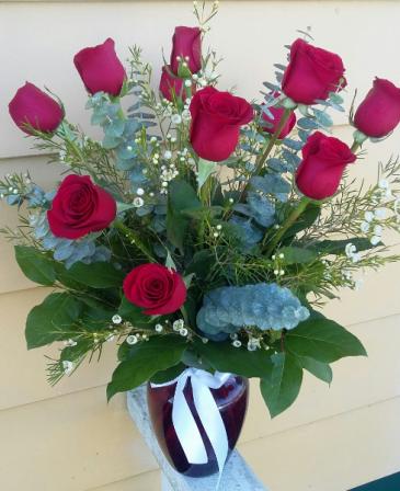 Love Buds #2 Standard Dozen Roses Vase Arrangement