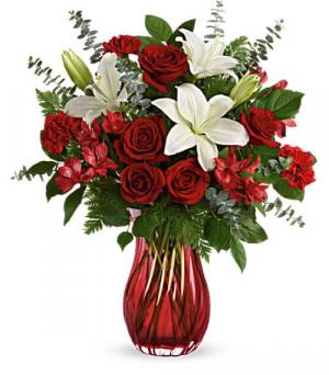 Love Conquers All  T21V200B Vase Arrangement in La Plata, MD | Potomac Floral Design Studio