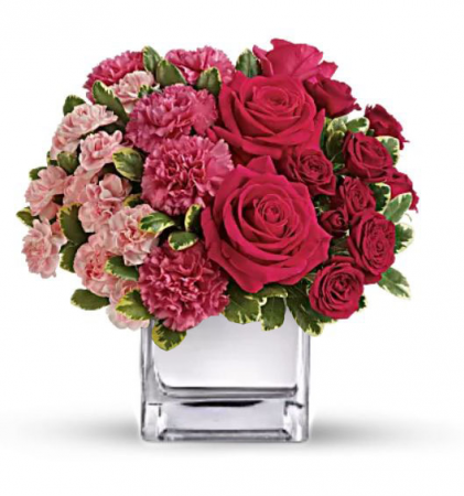 Love in Bloom Cube Vase
