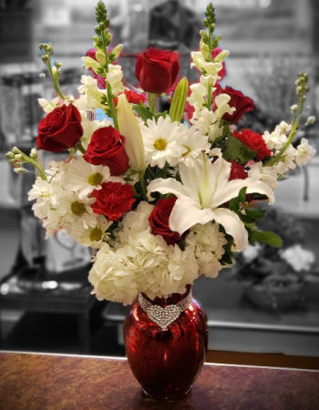 Love is in the air Mixed Arrangement