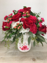 LOVE & KISSES Vase Arrangement