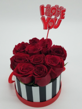 Love you Bucket Box of 10 Roses