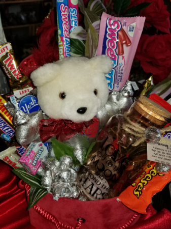 Love you to the moon candy bouquet