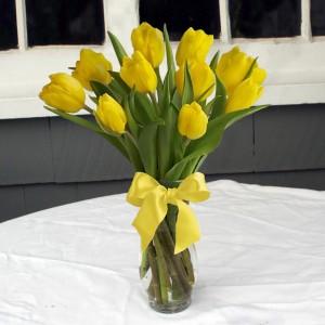 Lovely in Lemon vase arrangement