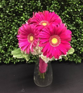 LOVELY PINK HANDHELD BOUQUET