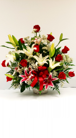 Lovers Heart Throb Arrangement Basket