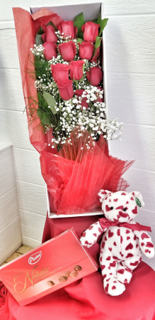Lover's Special- Dozen Roses - Boxed Arranged Valentine's Boxed Roses Combo