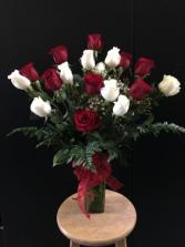 Love's Divine Long-Stemmed Roses