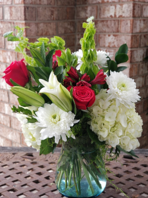 Lovey Dovey Mixed Bouquet in College Station, TX | UNIVERSITY FLOWERS & GIFTS
