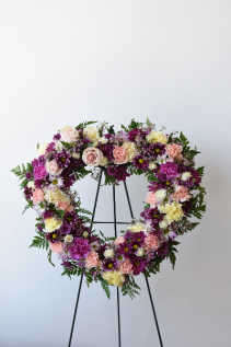 Loving Heart Standing Wreath