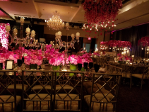 Low center pieces with a clear candelabro Low centerpieces with a clear candelabro
