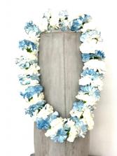 LT BLUE/WHITE CARNATION LEI GRADUATION LEI