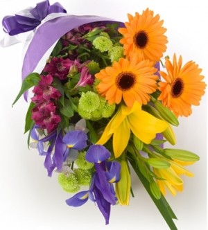 LUCKY  GIFT WRAPS BOUQUET in Germantown, MD | GENE'S FLORIST & GIFT BASKETS