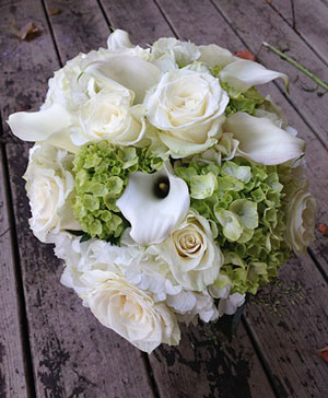 Luscious Calla Lily Bouquet in Ozone Park, NY | Heavenly Florist