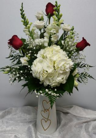 Lustrous Love Bouquet Valentine