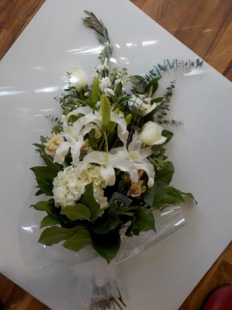 Luxurious White Premium Bouquet