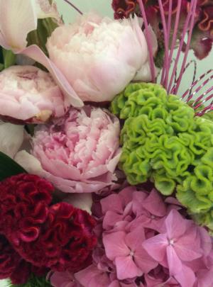 Luxury Flowers Designer's Choice Flower Arrangement in Las Vegas, NV | AN OCTOPUS'S GARDEN