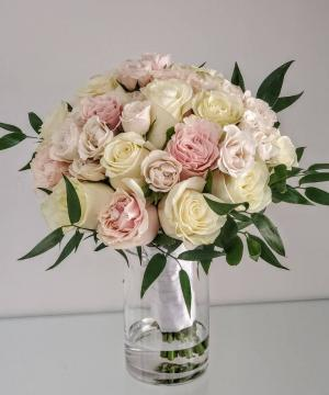Luxury Pastel Rose Bouquet V21-827 Flower Arrangement Bouquet in San Juan, PR | ELIKONIA FLOWERS